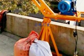 小吊机需要压多少配重才牢固