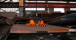 手动永磁起重器起吊钢板安全操作规程