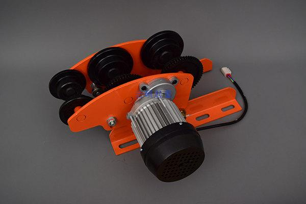 六轮电动小跑车